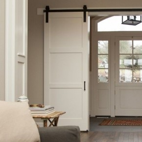 Baltos slankiojančios durys