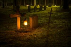 Žvakė kapinėse